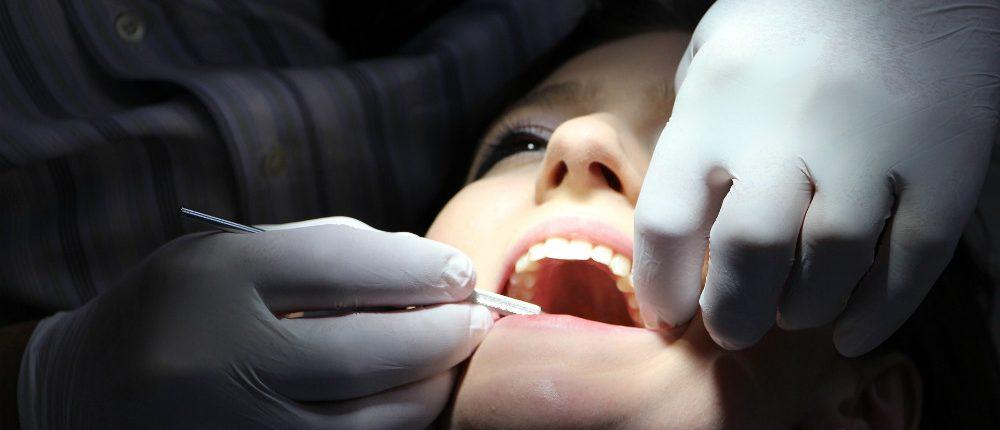 Fluechtling abh Zahnarzthelfer