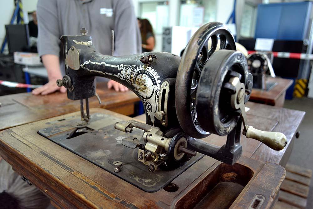 Anderwerk Sommerfest alte Naehmaschine